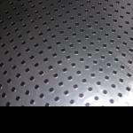 1000穴の等ピッチ穴加工品。ピッチ精度±0.02mmを実現!